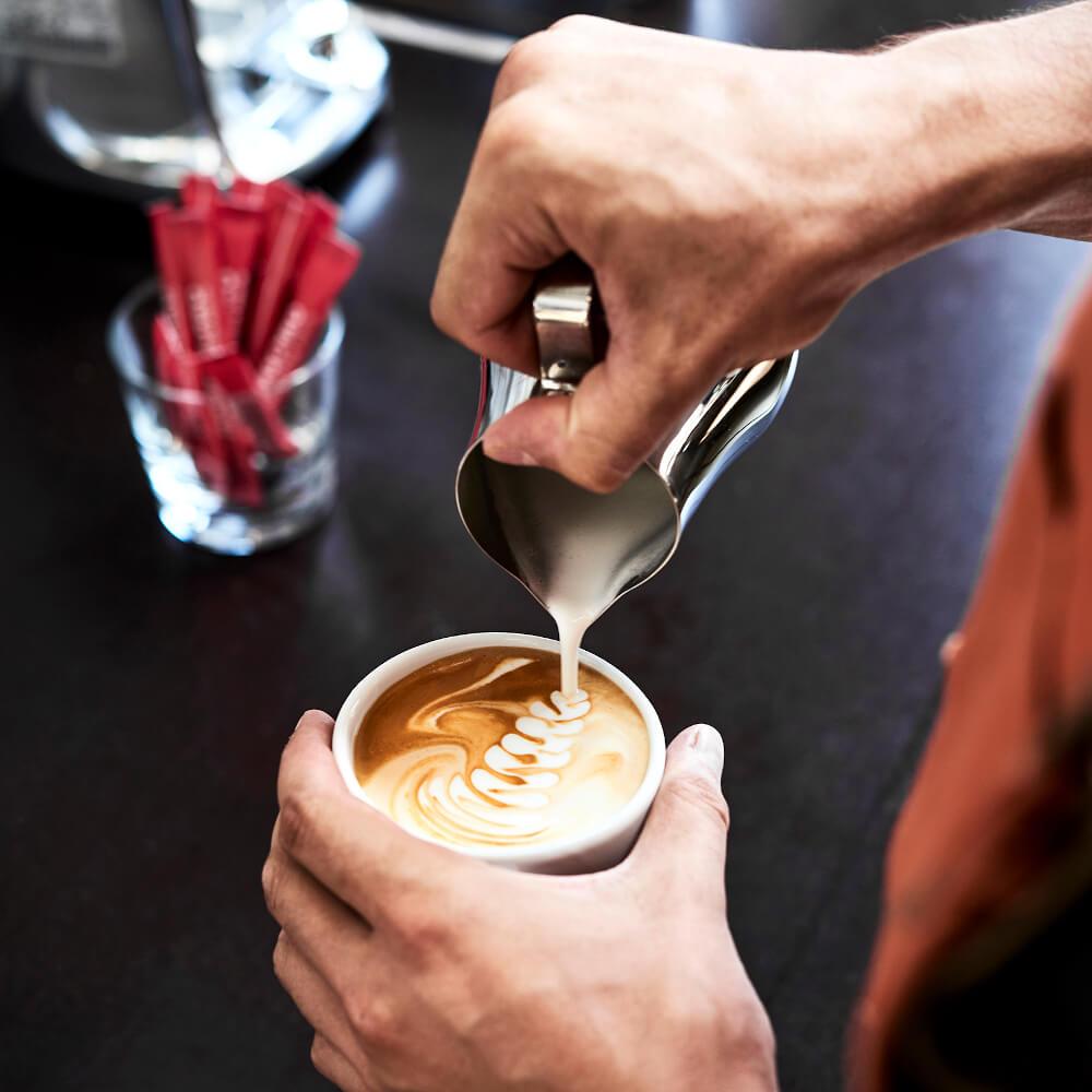 Latte-Art im Unger und Klein im Hochhaus / Bild by Andraschko