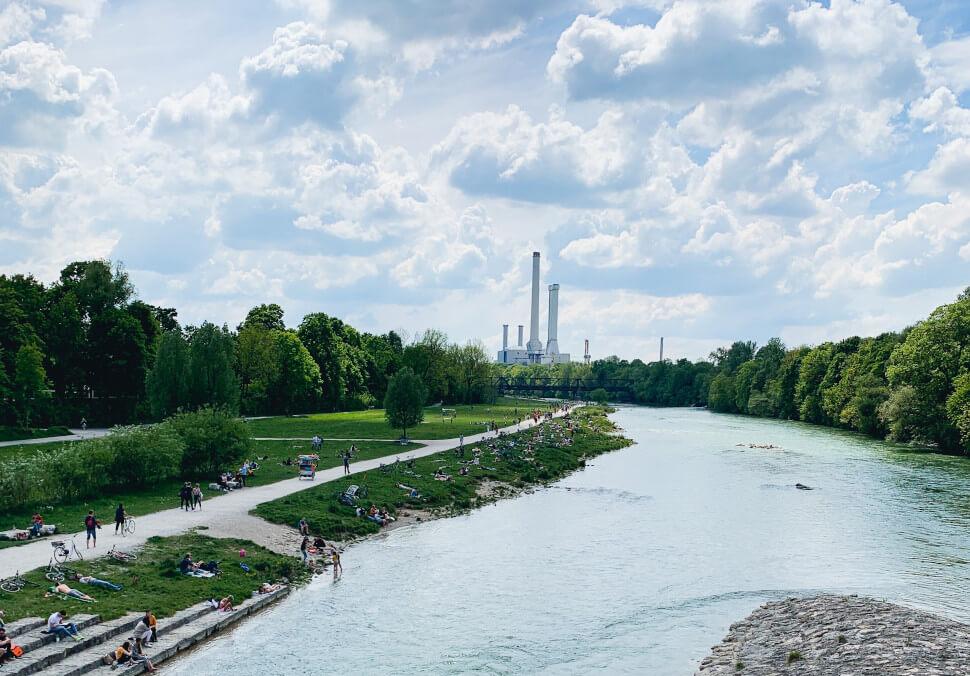 Bild der Isar in München zur München Shoppingtour von Katharina Kleinfeldt