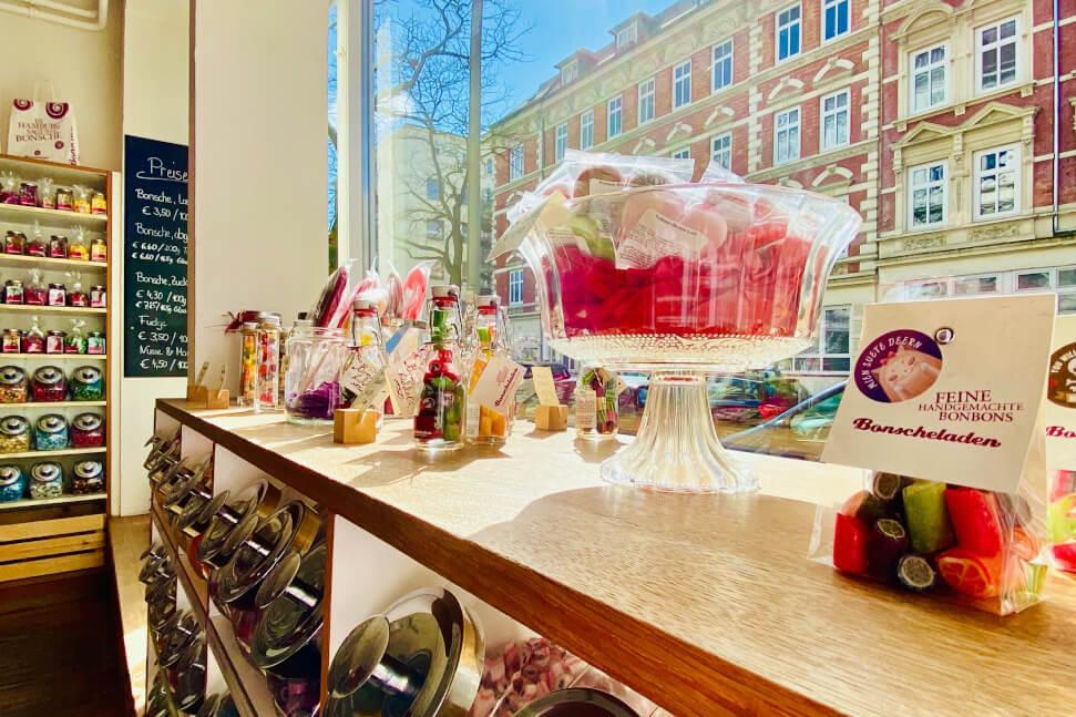 © Bonscheladen - Die Ladentheke im Bonscheladen