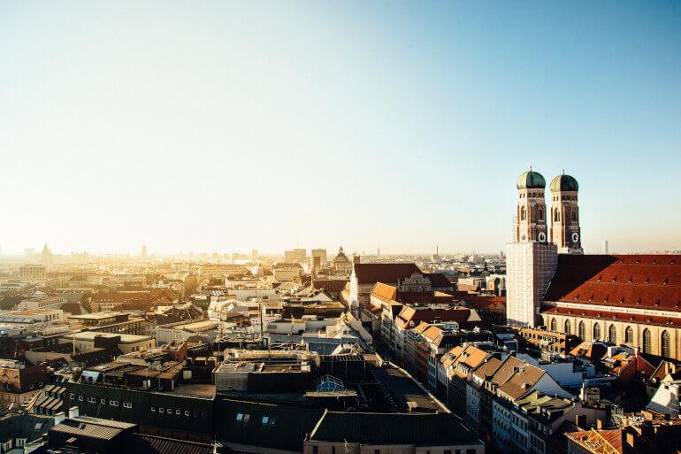Bild der Münchener Skyline zur München Shoppingtour von Katharina Kleinfeldt