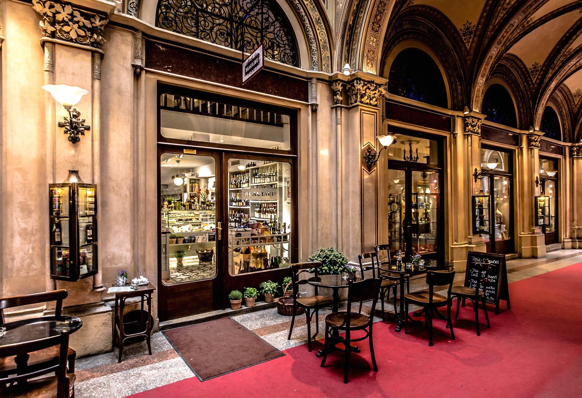 Kaffeehauskultur in Wien / Bild von Jörg Peter via Pixabay